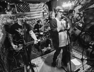 Live at Hank's Saloon – Photo by Alan Rand